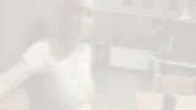 Sofia Lee se prend sexe maison arabe une grosse bite dans le cul