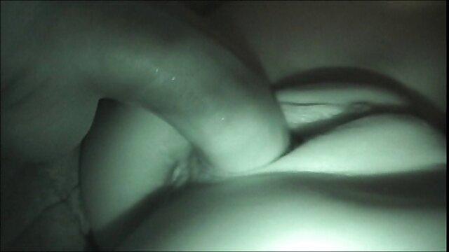 Étudiant video amateur à la maison indien sexe hardcore avec son petit ami