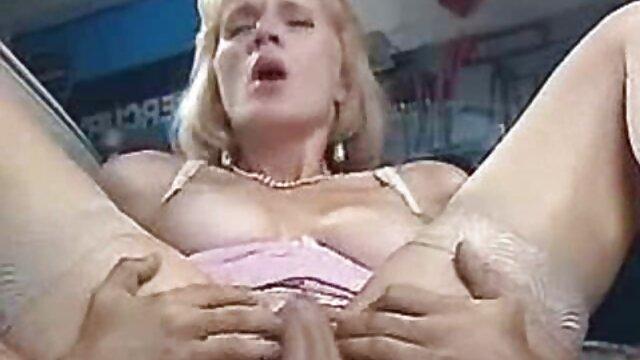 Fake Driving School Chloe Lamour sort ses sexe francais fait maison gros seins