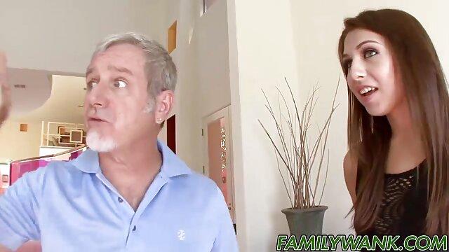 Délicieuse porno dans maison Lisa élégante mature